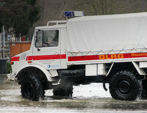 Cologne uses extreme off-road Unimog in floods.