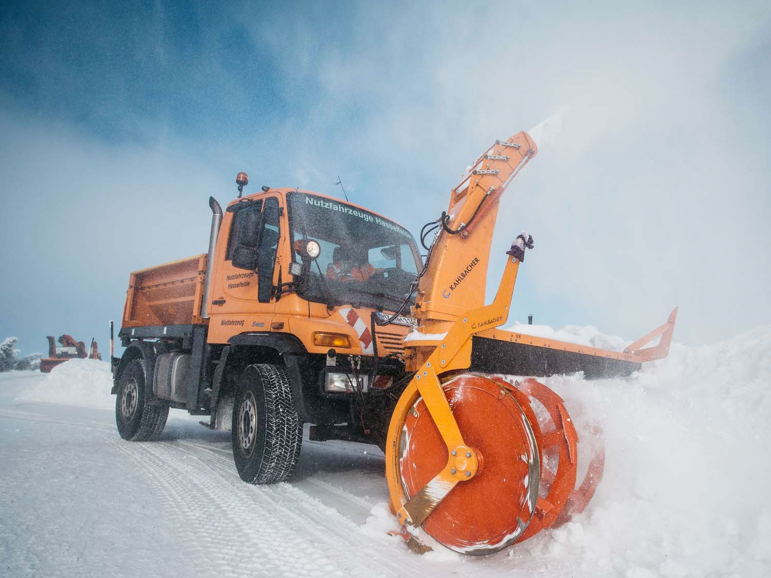 Mross Import Service – Unimog Canada – Dealer of New and
